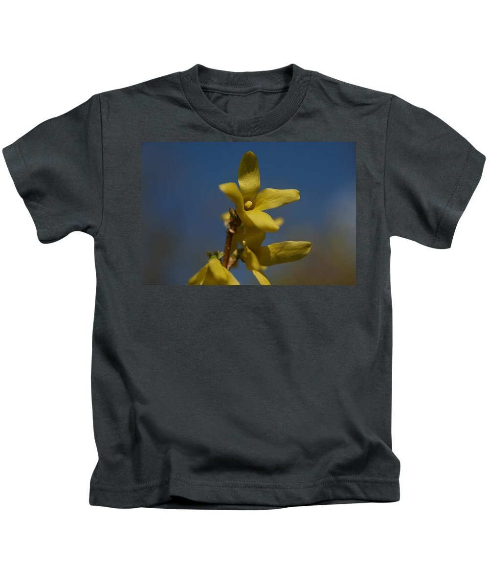 Yellow Flower Kids T-Shirt featuring the photograph Summer Highlight by Neal Eslinger