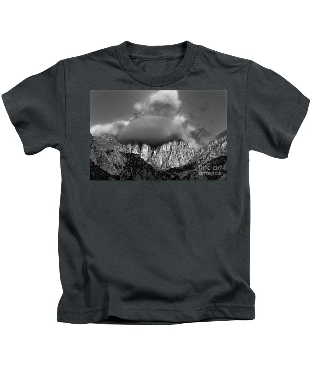 North America Kids T-Shirt featuring the photograph Sunrise On Mount Whitney Eastern Sierras California by Dave Welling