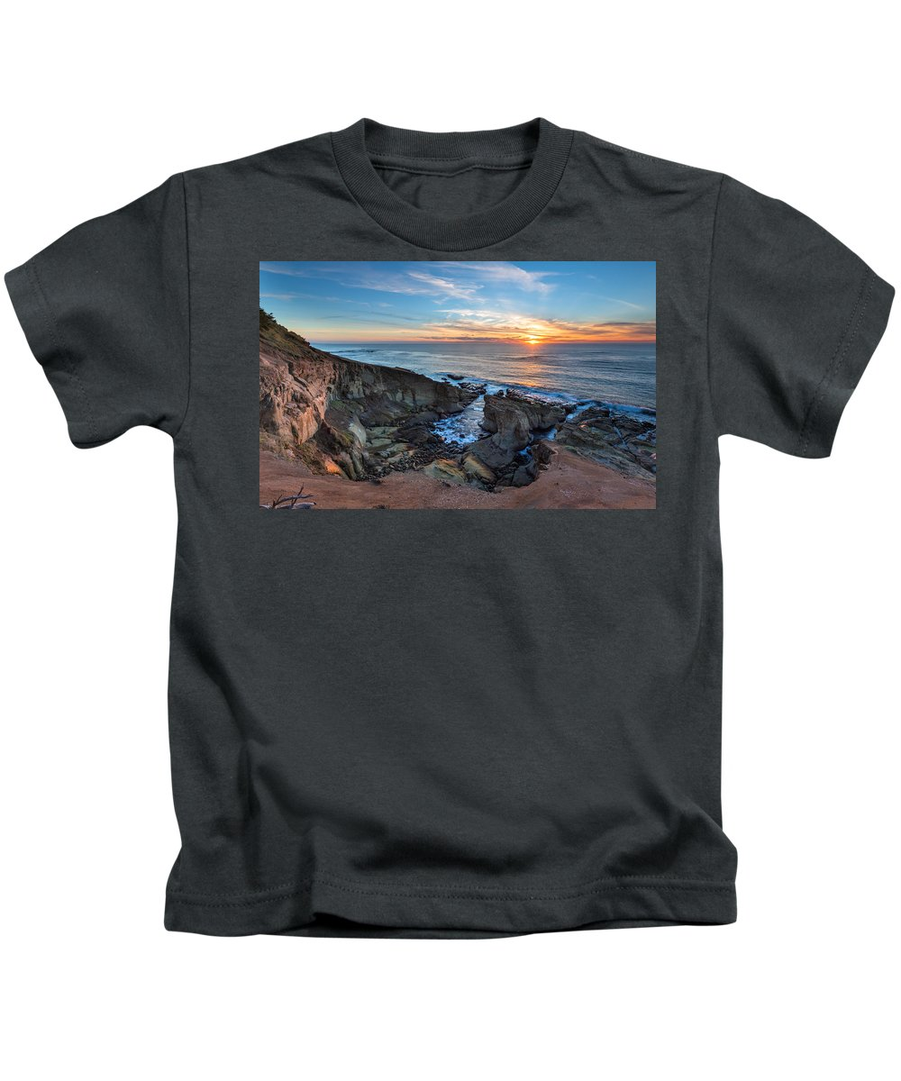 Seascape Kids T-Shirt featuring the photograph The Bowl by Robert Bynum