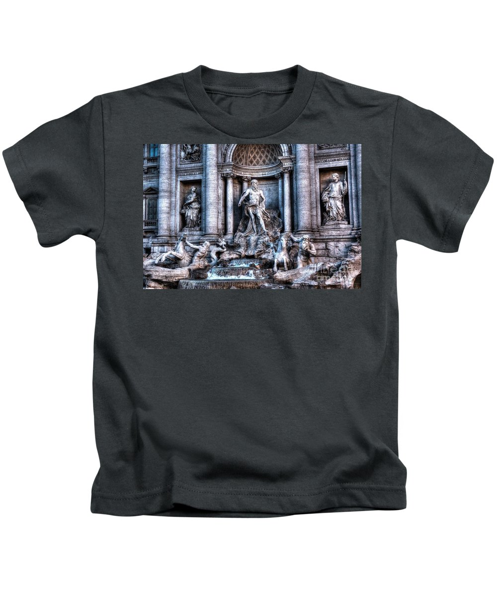 Trevi Fountain Kids T-Shirt featuring the photograph Trevi Fountain by Joe Ng