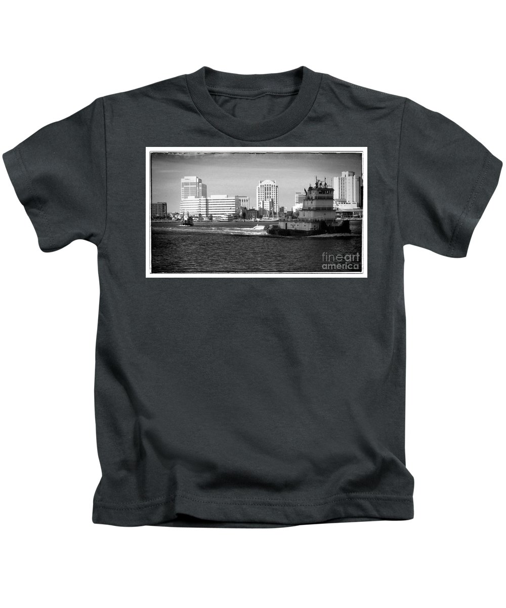 Tugboat Kids T-Shirt featuring the photograph Tug With No Tow by Heather Taylor