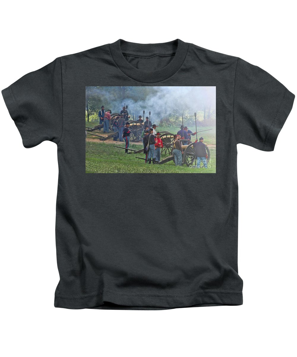 Civil War Kids T-Shirt featuring the photograph Union Artillery Battery by Tommy Anderson