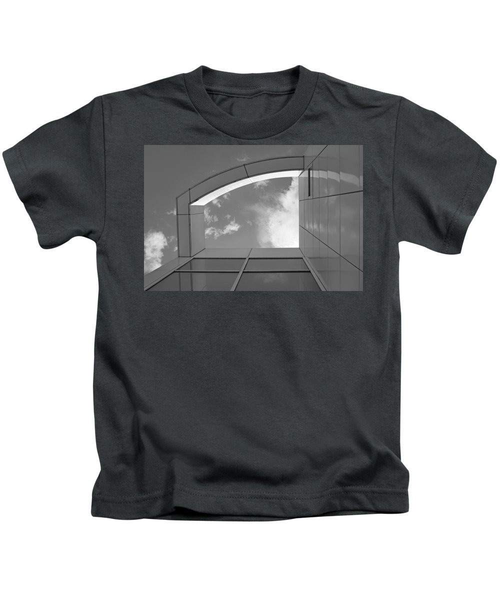 Des Moines Art Center Kids T-Shirt featuring the photograph Window To The Sun - 4 - Bw by Nikolyn McDonald