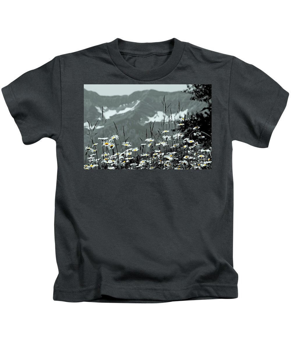 Daisy Kids T-Shirt featuring the photograph Yellow Eyes by Anita Braconnier
