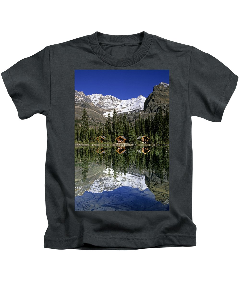 Cabin Kids T-Shirt featuring the photograph Cabins, Sargents Point, Lake Ohara by John Sylvester