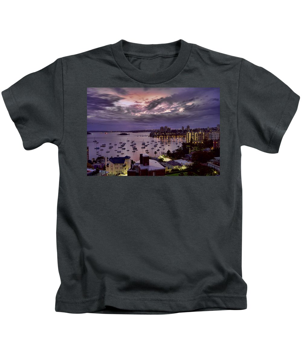Macleay Street Kids T-Shirt featuring the photograph 7th Floor View Macleay Street Potts Point Sydney Early Morning by Douglas Barnard