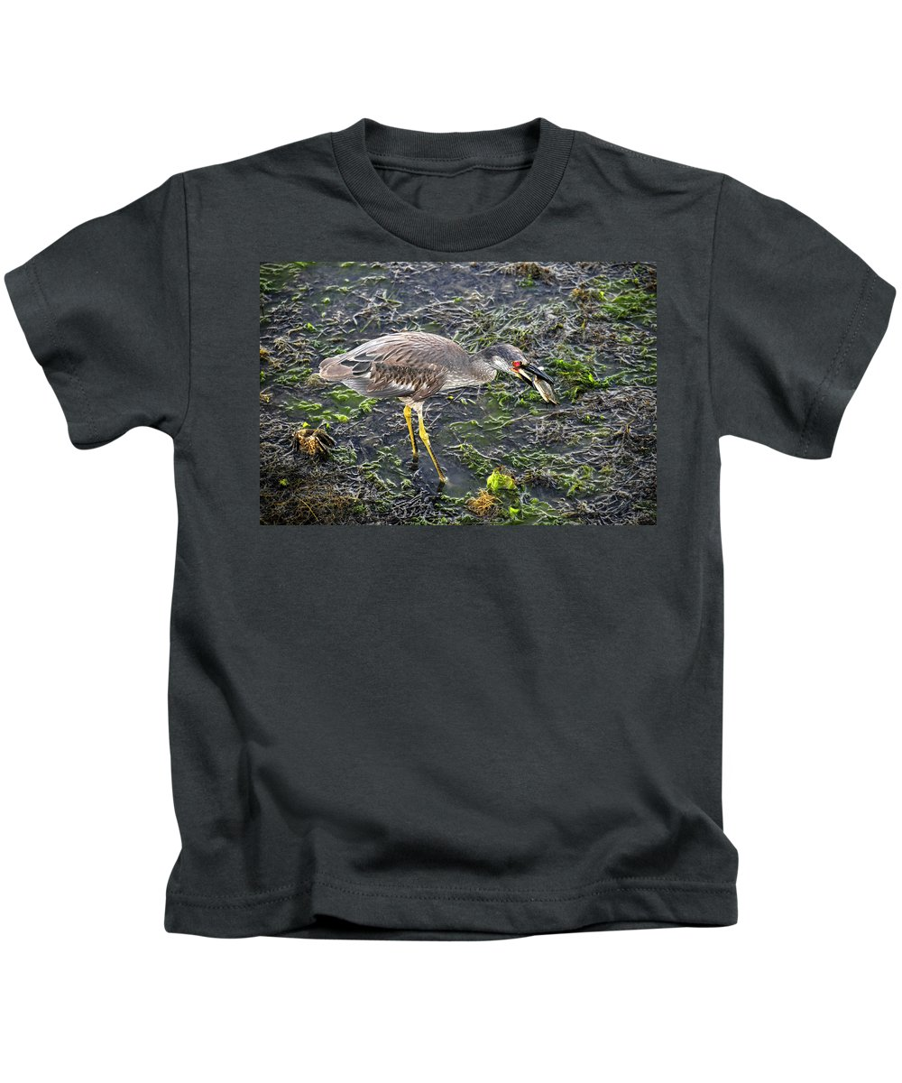 Wildlife Photography Kids T-Shirt featuring the photograph Catching Crab by David Lee Thompson