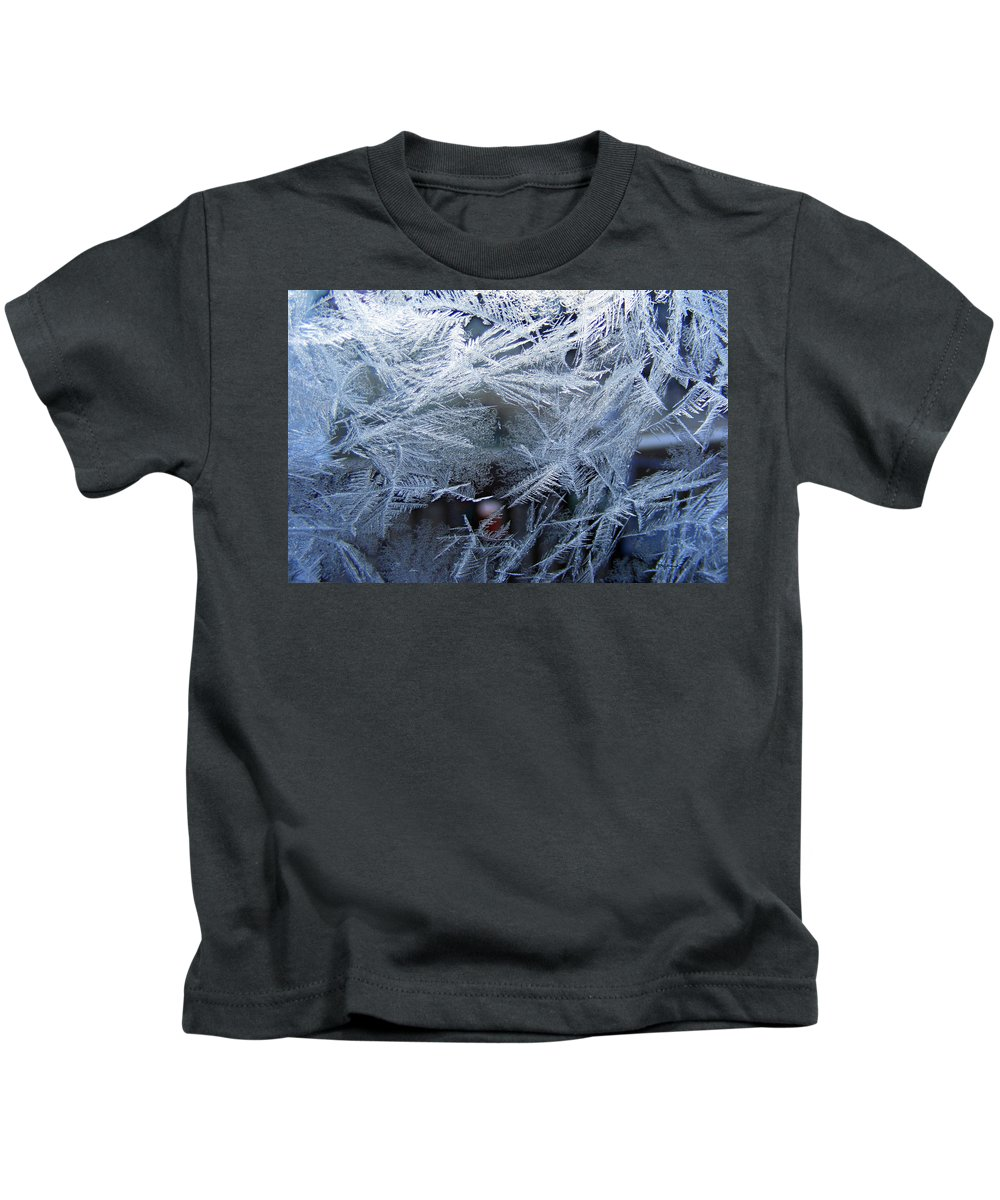 Window Ice Kids T-Shirt featuring the photograph Ice Is Nice by Duane McCullough