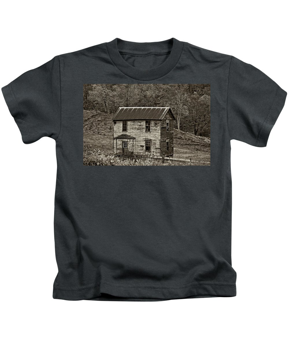 Glady Kids T-Shirt featuring the photograph If These Walls Could Talk Sepia by Steve Harrington