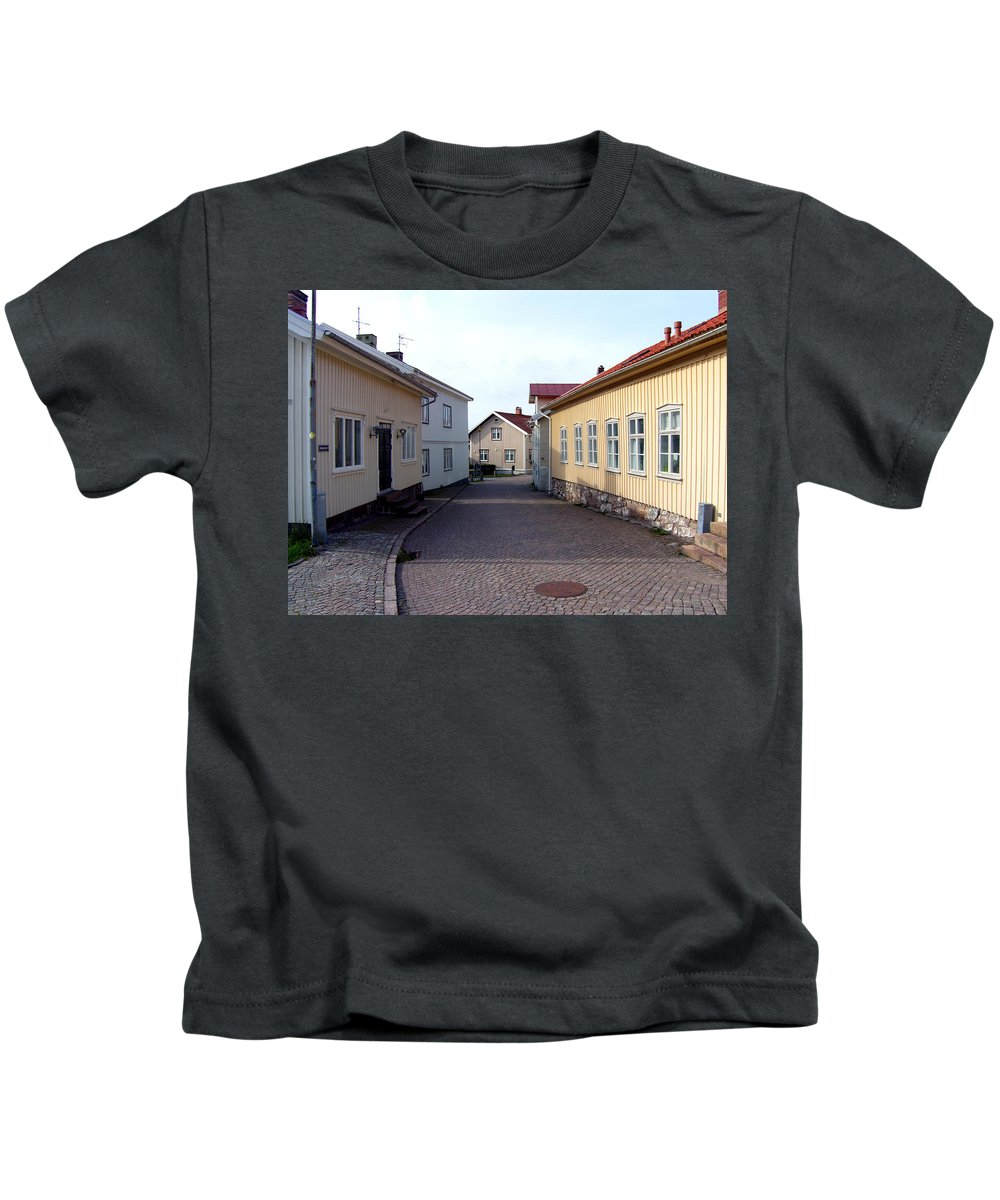 Street Kids T-Shirt featuring the photograph In The Old Town With New Possibilities by Are Lund