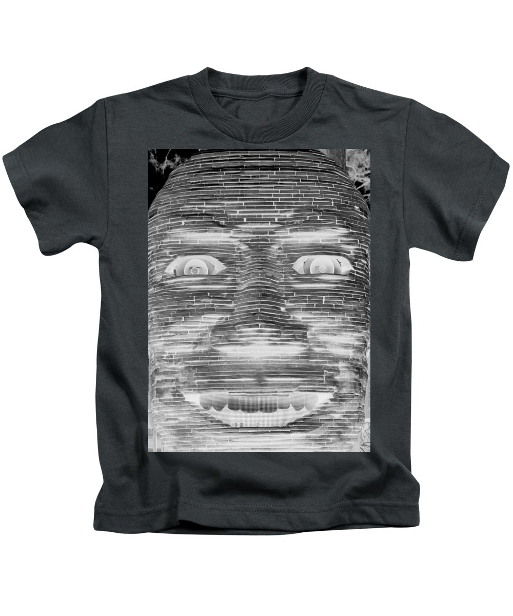 Architecture Kids T-Shirt featuring the photograph In Your Face In Neagtive by Rob Hans