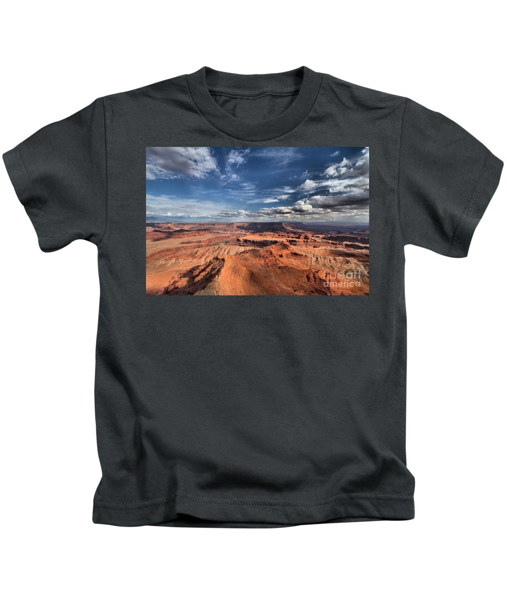 Dead Horse Point Kids T-Shirt featuring the photograph Into The Sky by Adam Jewell