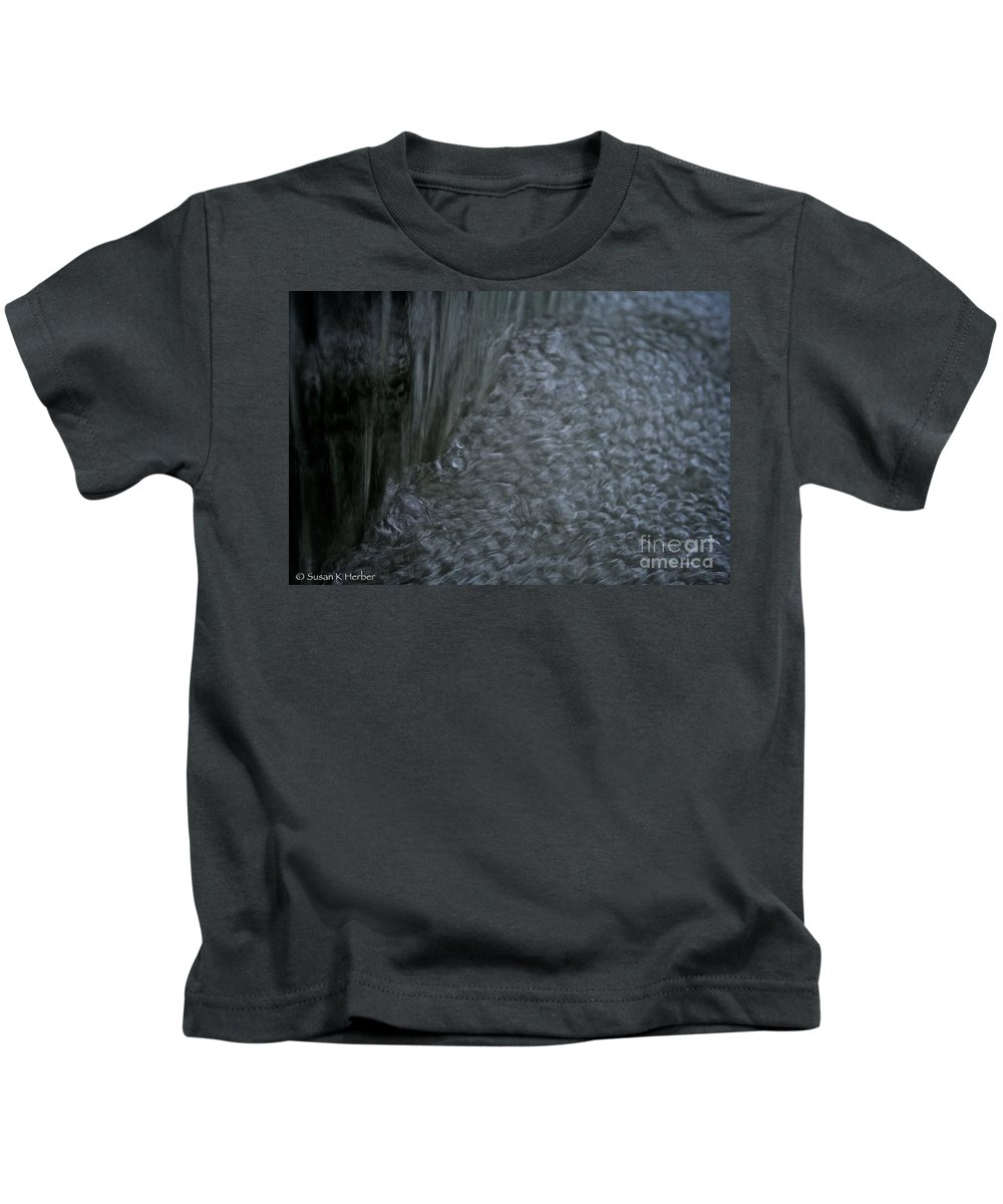 Outdoors Kids T-Shirt featuring the photograph Nature Made Bubble Pack by Susan Herber