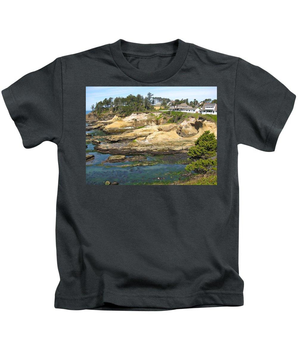 Oregon Kids T-Shirt featuring the photograph Oregon Coastline by Linda Hutchins