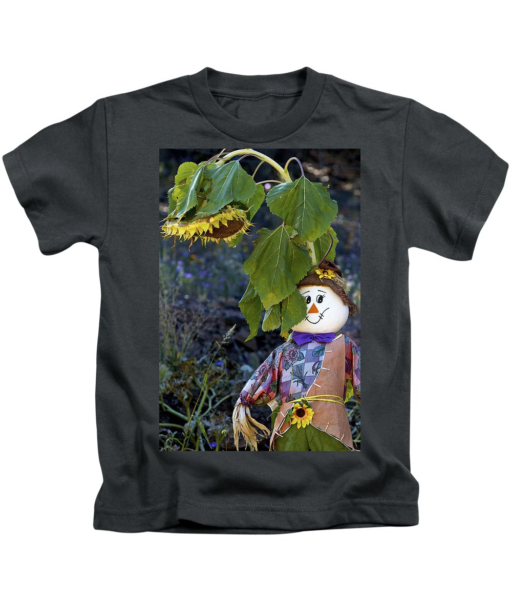Scarecrow Kids T-Shirt featuring the photograph Peek-a-boo by Phyllis Denton