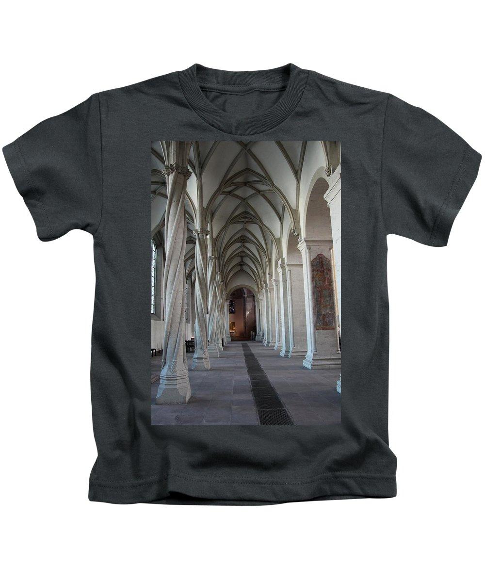 Perpendicular Cross Vault Kids T-Shirt featuring the photograph Perpendicular Cross Vault by Christiane Schulze Art And Photography