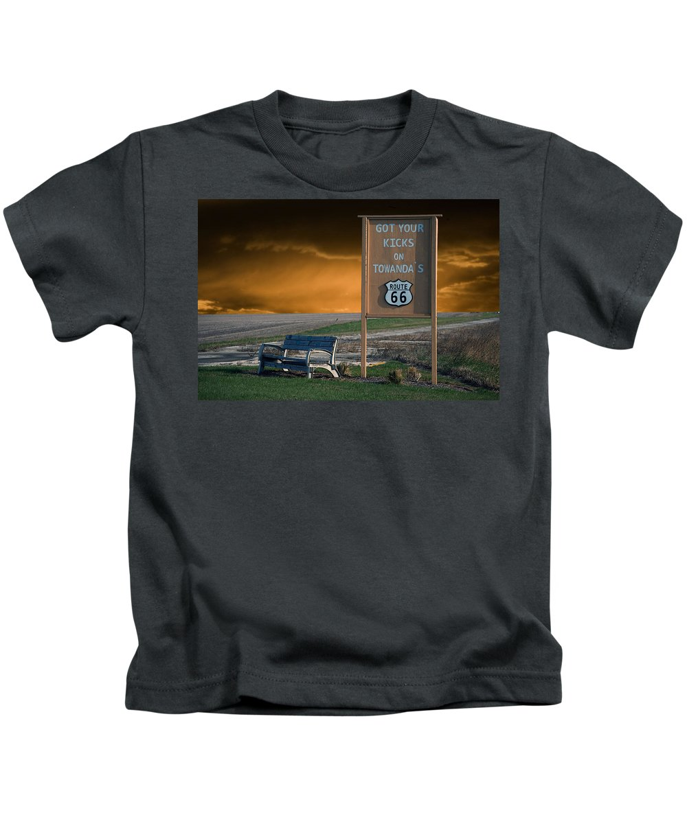 66 Kids T-Shirt featuring the photograph Rt 66 Towanda Signage by Thomas Woolworth