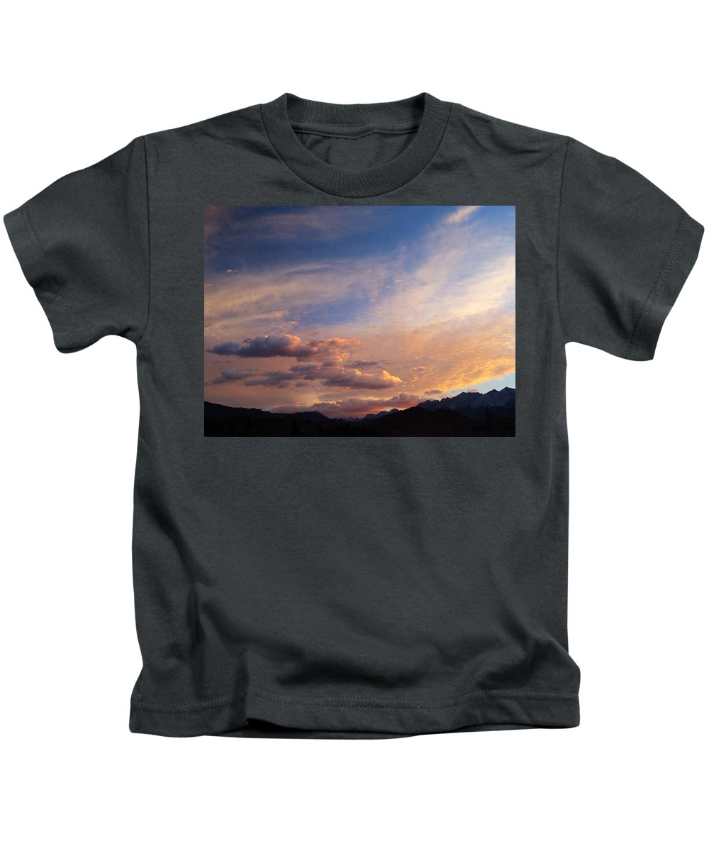 California Sunset Kids T-Shirt featuring the photograph Sundown on the Sierras by Joe Schofield