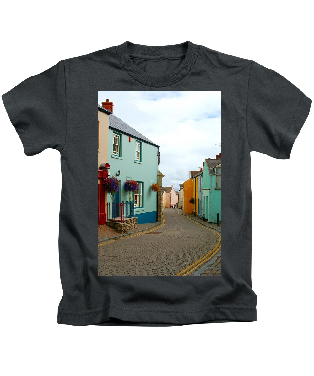 Tenby Kids T-Shirt featuring the photograph Tenby Village by Tam Ryan