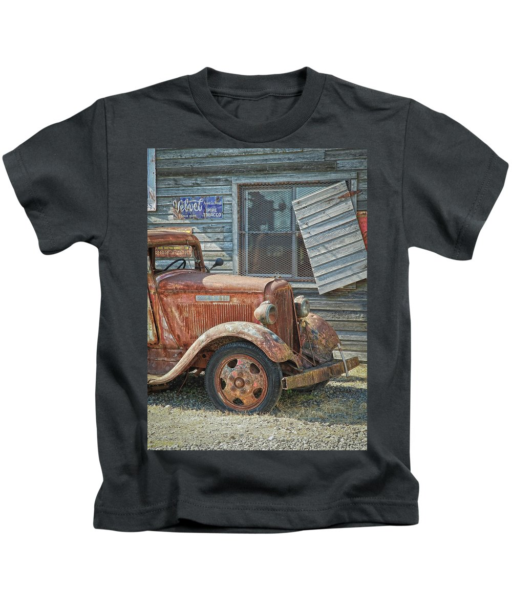Dodge Kids T-Shirt featuring the photograph The Old Dodge by Steve McKinzie