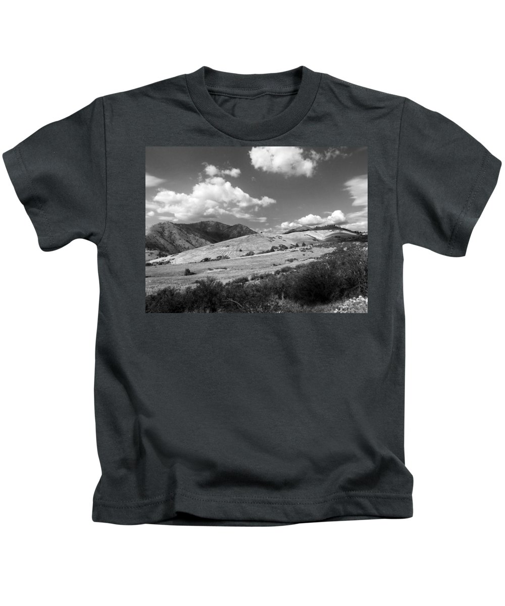 Ashland Kids T-Shirt featuring the photograph View Into The Mountains by Kathleen Grace