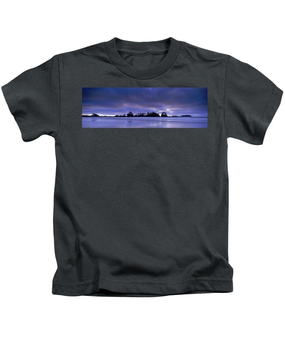 Beaches Kids T-Shirt featuring the photograph Wickaninish Beach, Pacific Rim National by David Nunuk