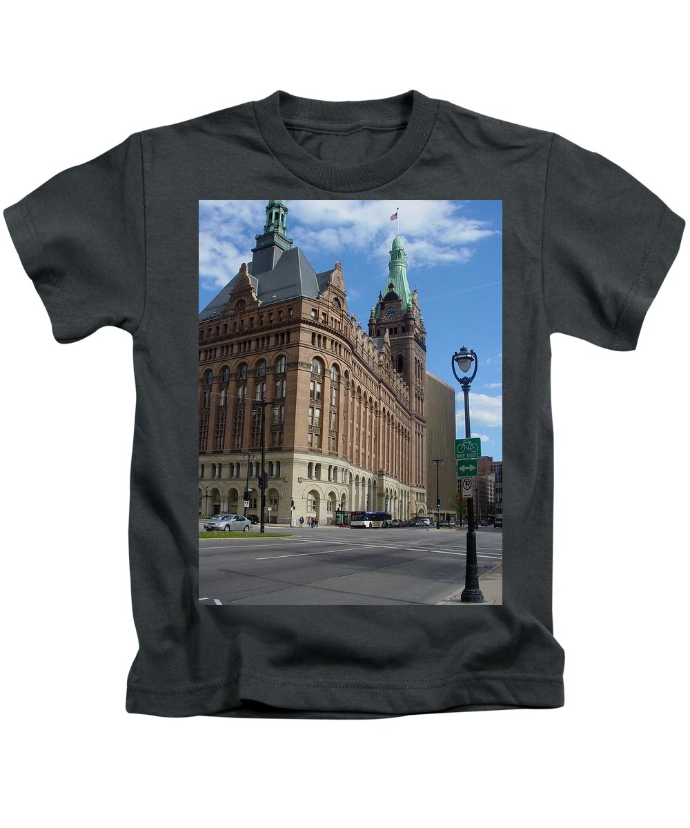 Milwaukee Kids T-Shirt featuring the photograph City Hall And Lamp Post by Anita Burgermeister