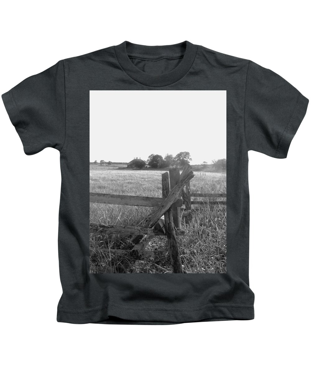 Gettysburg Kids T-Shirt featuring the painting Gettysburg Landscape by Eric Schiabor