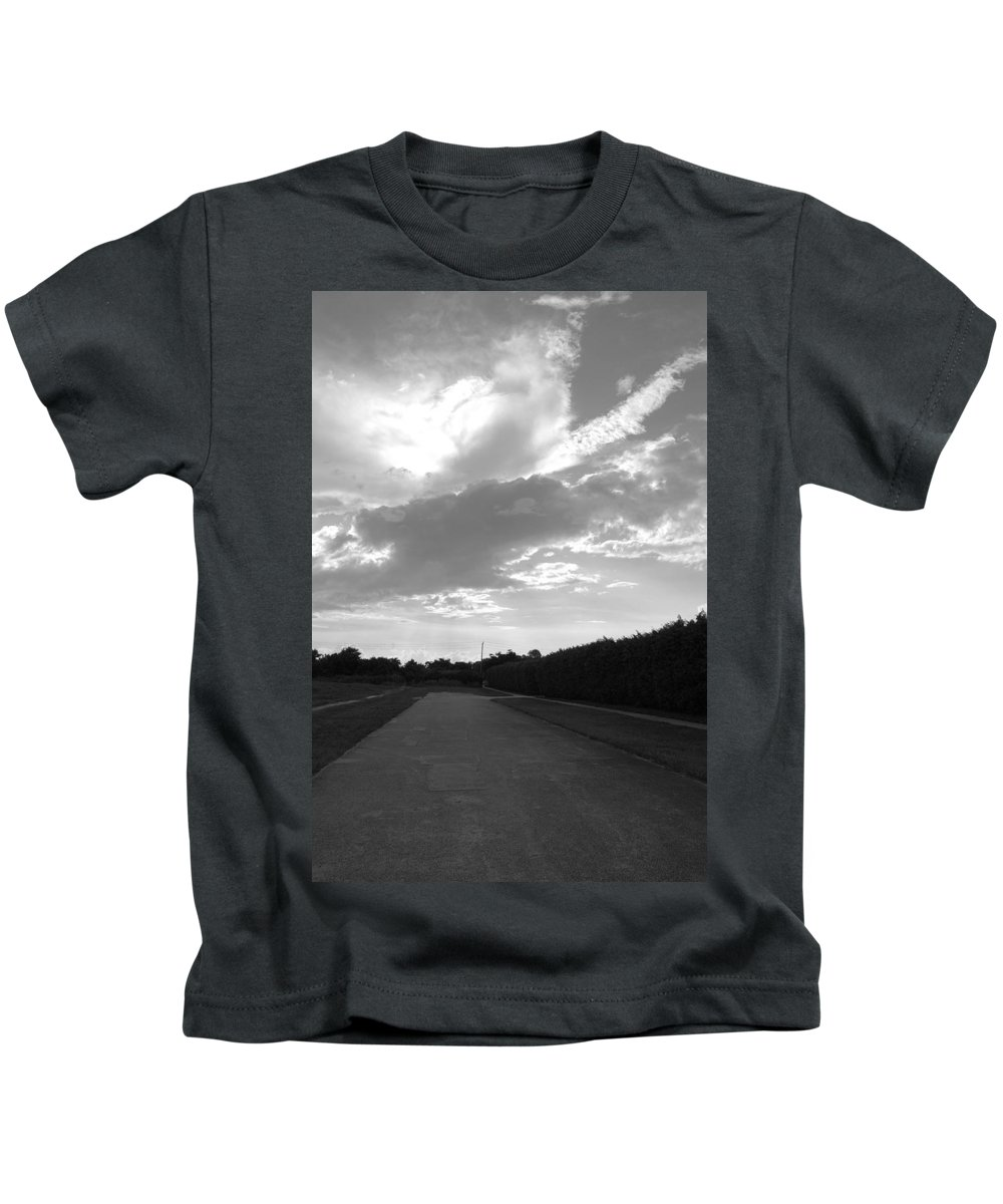 Black And White Kids T-Shirt featuring the photograph Homestead Sky by Rob Hans