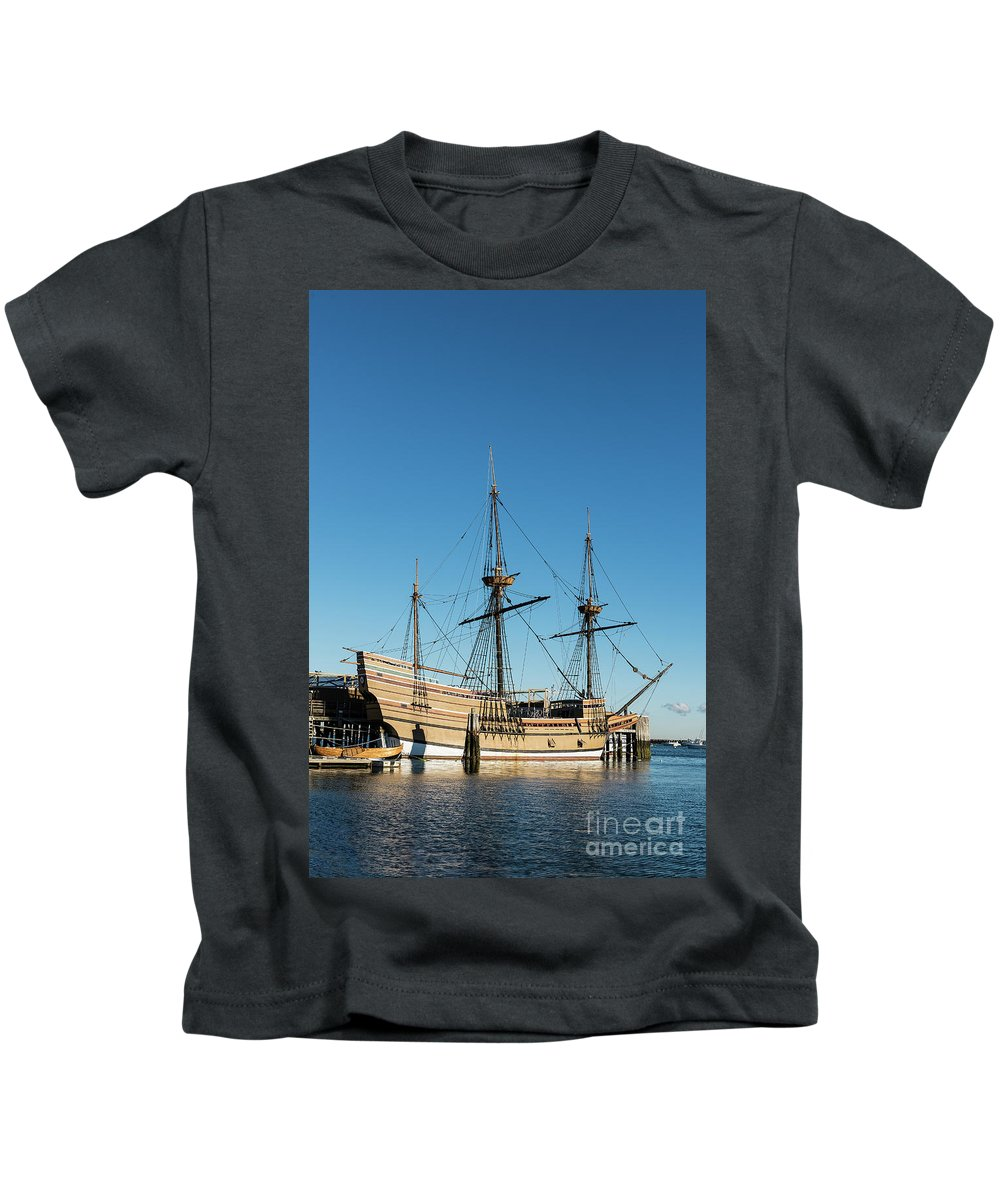 17th-century Kids T-Shirt featuring the photograph Mayflower II by John Greim