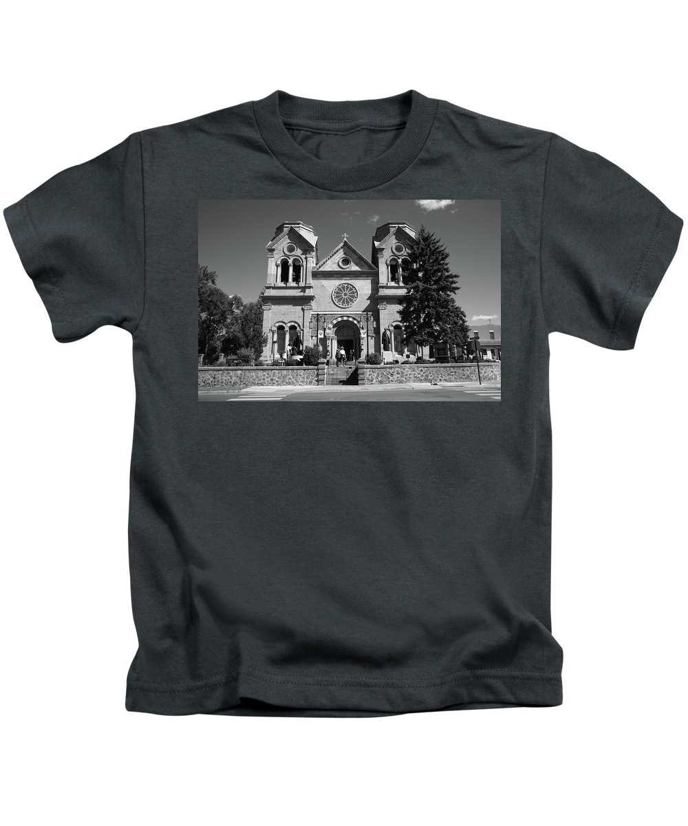 America Kids T-Shirt featuring the photograph Santa Fe - Basilica Of St. Francis Of Assisi by Frank Romeo