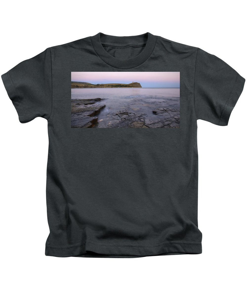 Kimmeridge Kids T-Shirt featuring the photograph Kimmeridge Bay In Dorset by Ian Middleton