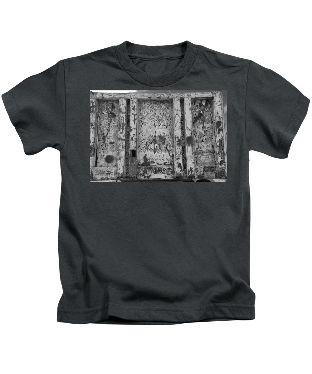 Black And White Kids T-Shirt featuring the photograph Steele Wall by Rob Hans
