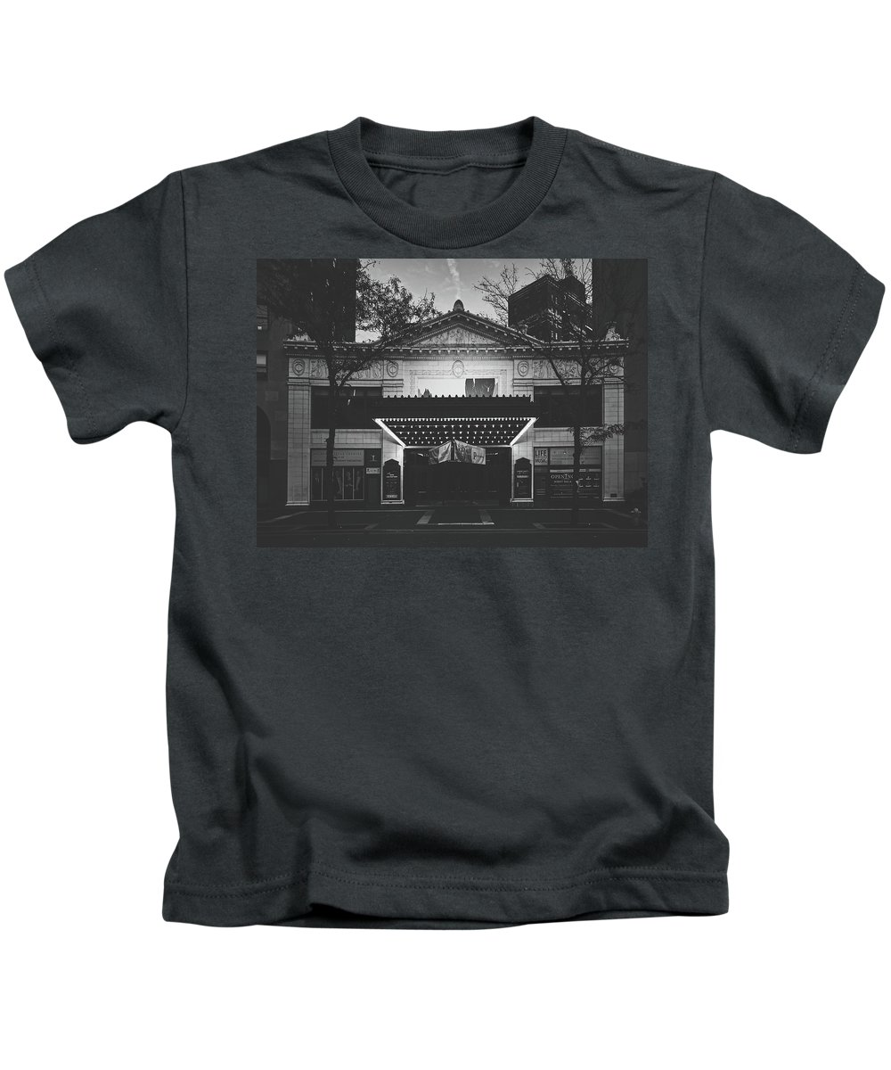 Hilbert Circle Theatre Kids T-Shirt featuring the photograph The Hilbert Circle Theatre Of Indianapolis by Library Of Congress