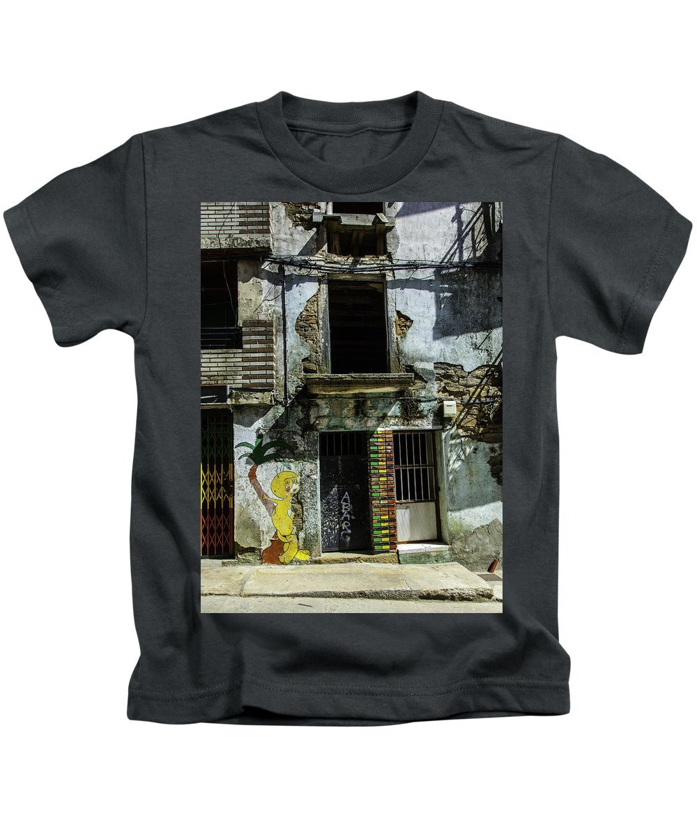 Graffiti Kids T-Shirt featuring the photograph 342 by Garth Pillsbury