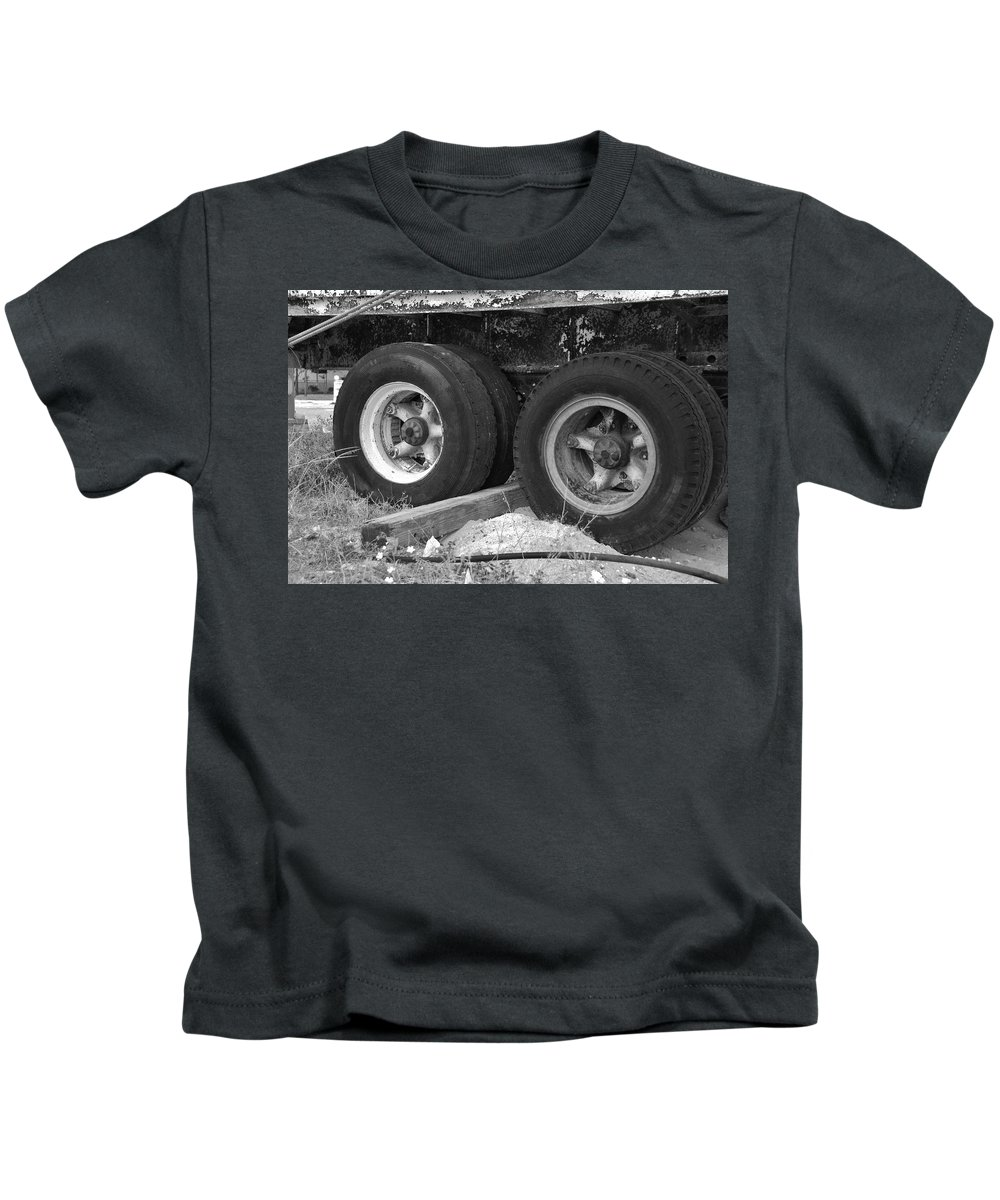 Black And White Kids T-Shirt featuring the photograph 4 Wheel Drive by Rob Hans