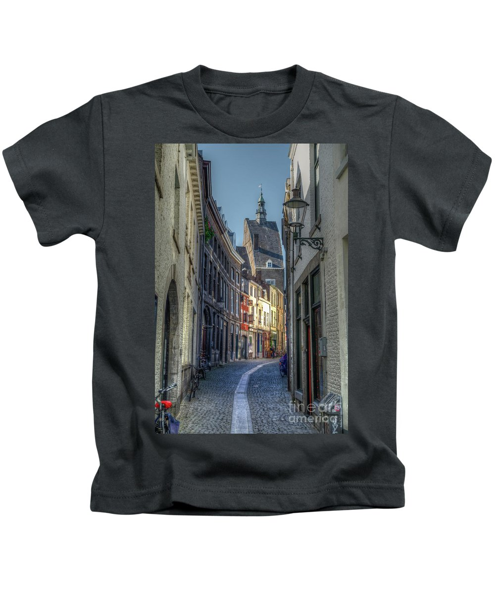 Passage Kids T-Shirt featuring the photograph Alleyway by Brothers Beerens