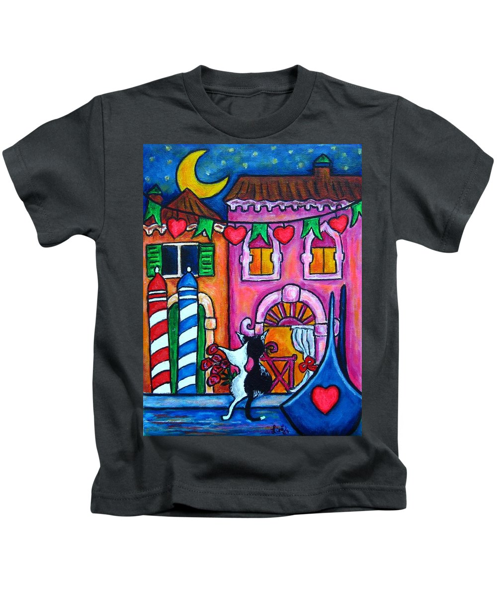 Cats Kids T-Shirt featuring the painting Amore in Venice by Lisa Lorenz