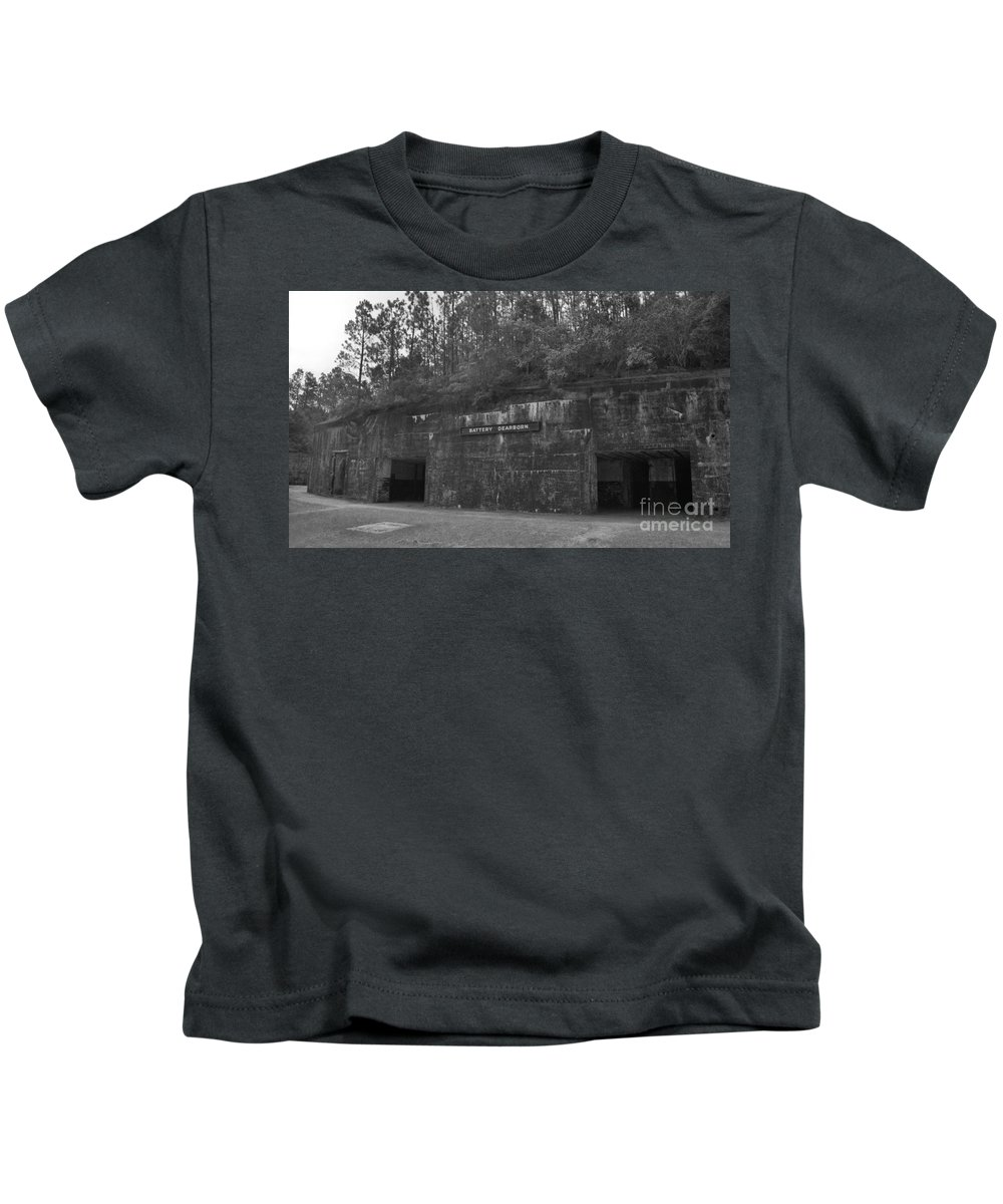 Military Kids T-Shirt featuring the photograph Battery Dearborn by Richard Rizzo