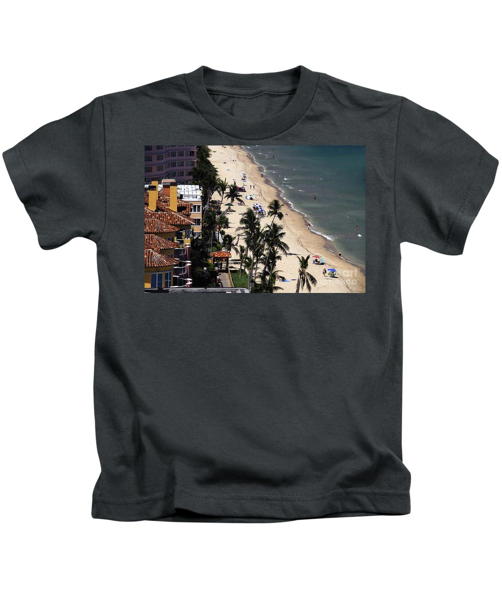 Beach Kids T-Shirt featuring the photograph Beach Scene by David Lee Thompson