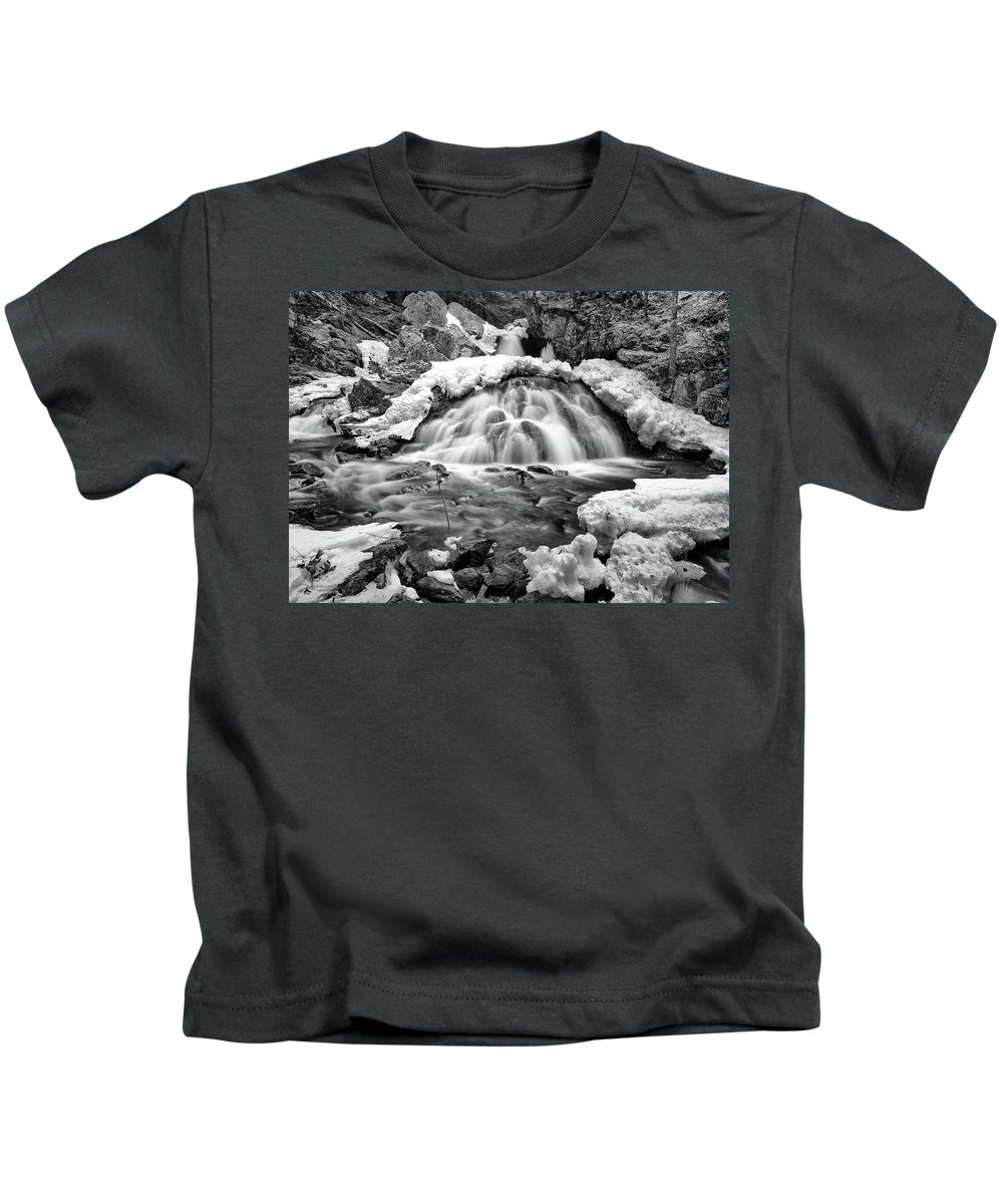 Waterfall Kids T-Shirt featuring the photograph Bear's Den Waterfall by Rob Davies