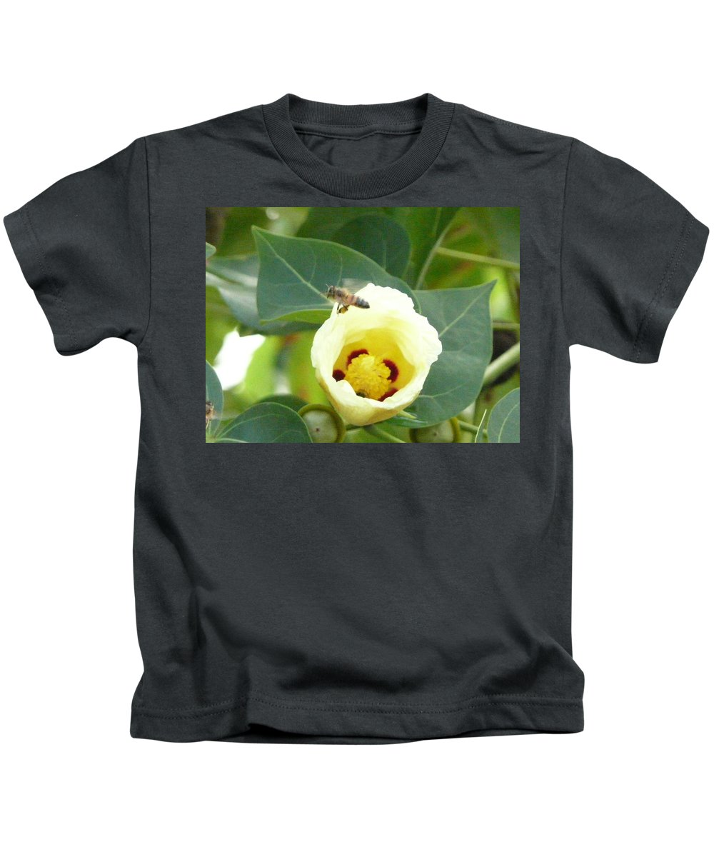 Bee Plants Tropical Kids T-Shirt featuring the photograph Bee Chowtime by Robert aka Bobby Ray Howle