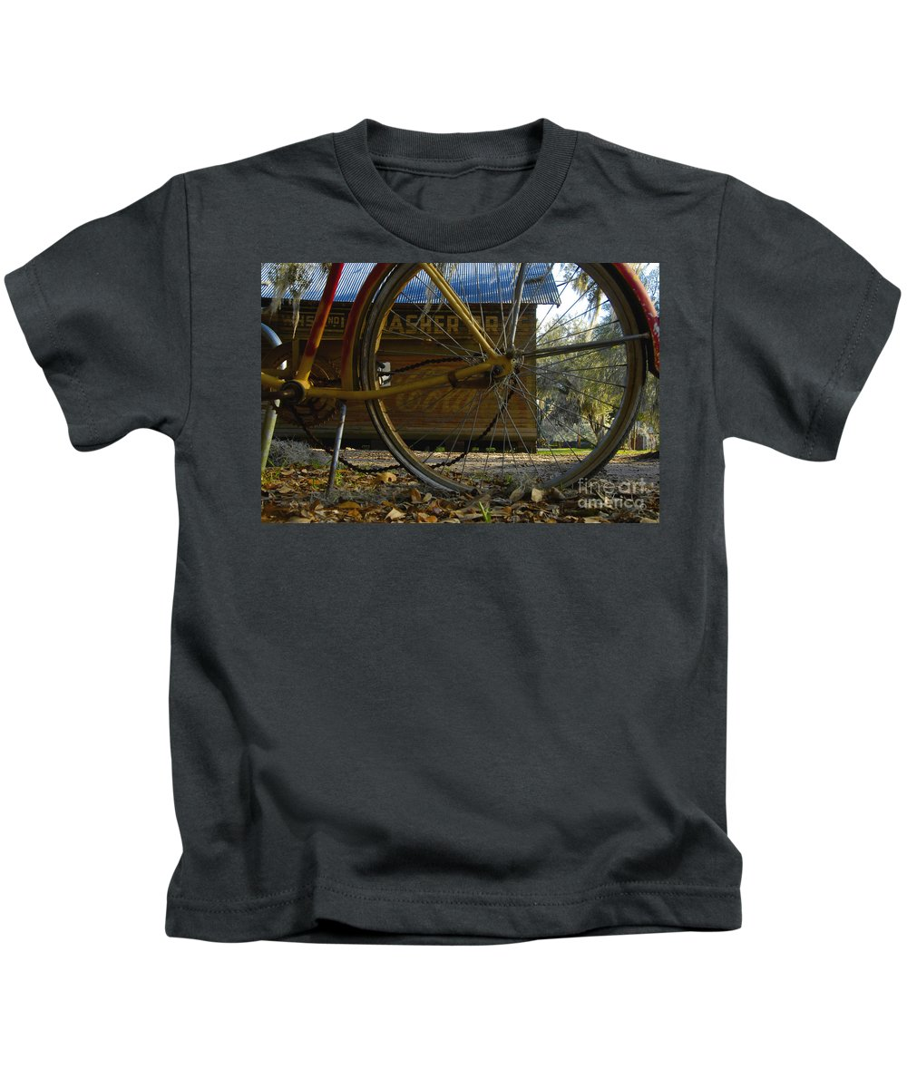 Bicycle Kids T-Shirt featuring the photograph Bicycle At Micanopy by David Lee Thompson