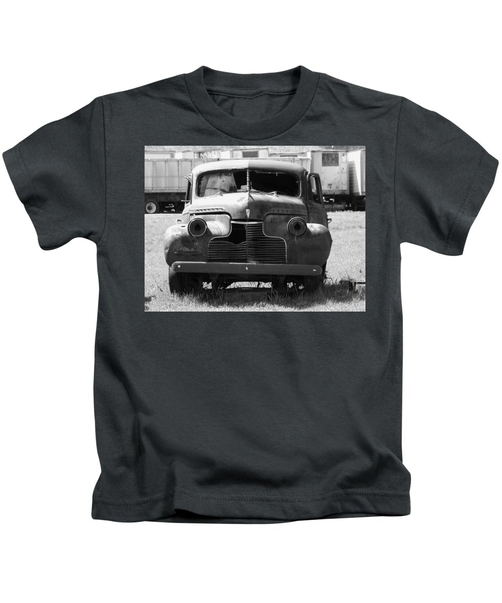 Vintage Car Kids T-Shirt featuring the photograph Blind by William Tasker
