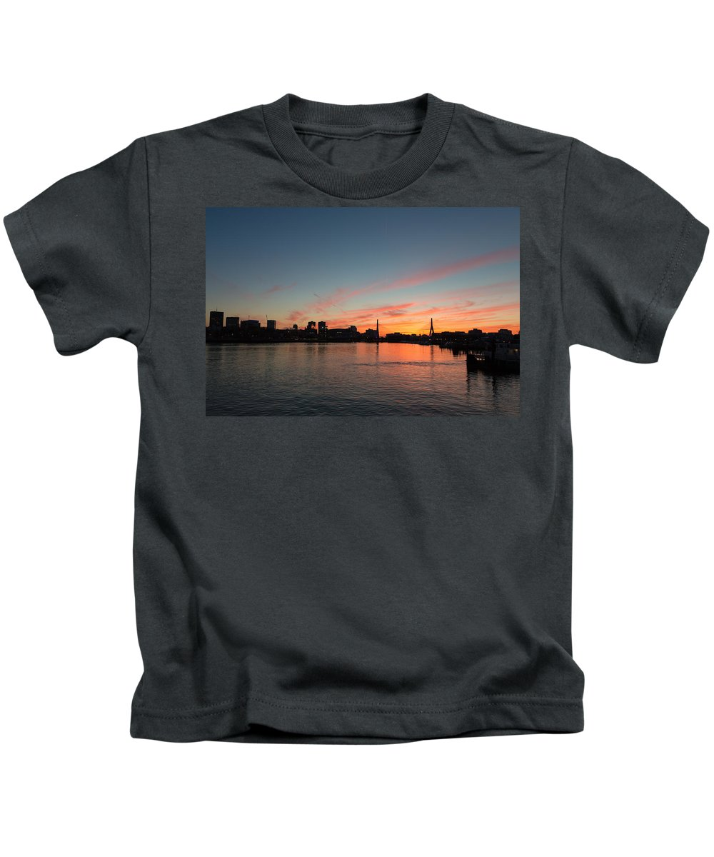 Massachusetts Kids T-Shirt featuring the photograph Boston Sunset by Dave Files