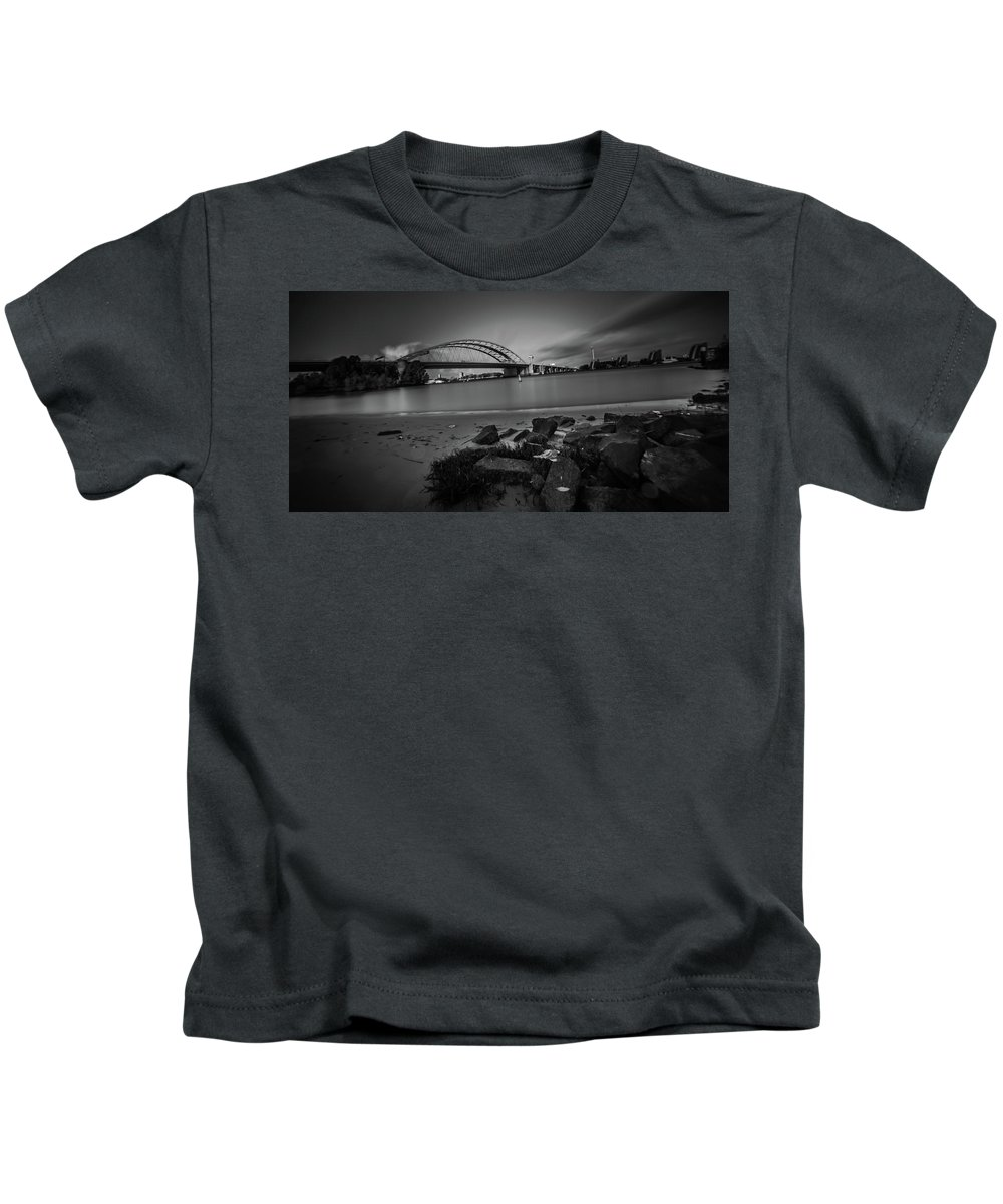 Bridge Kids T-Shirt featuring the photograph Brienenoordbrug 2 by Marcel Van der Stroom