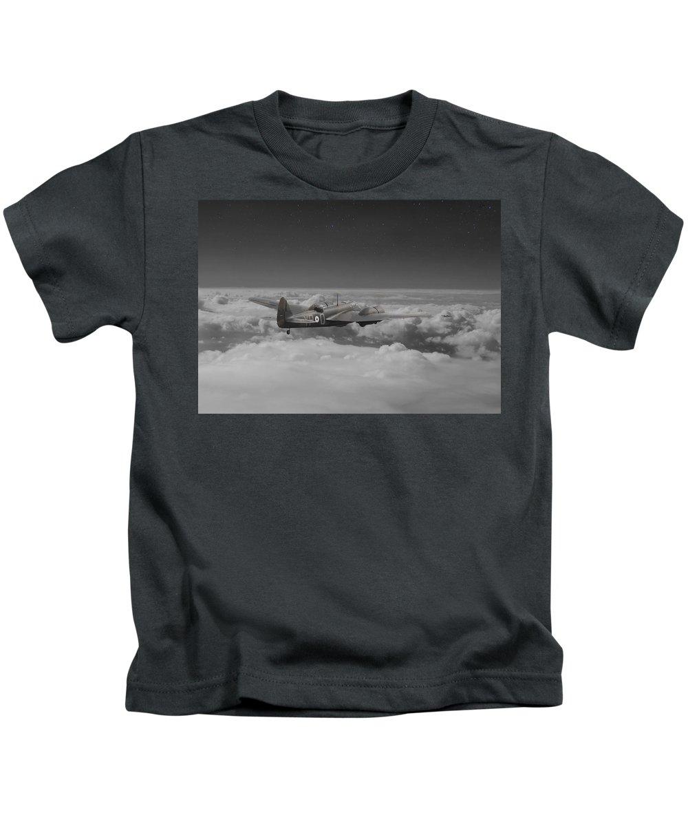 Aircraft Kids T-Shirt featuring the photograph Bristol Blenheim - 'night Stalker' by Pat Speirs