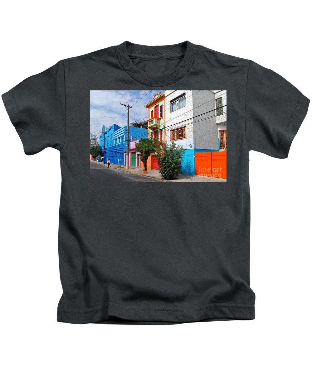 Casario Kids T-Shirt featuring the photograph Caminito A La Paulistana by Carlos Alkmin