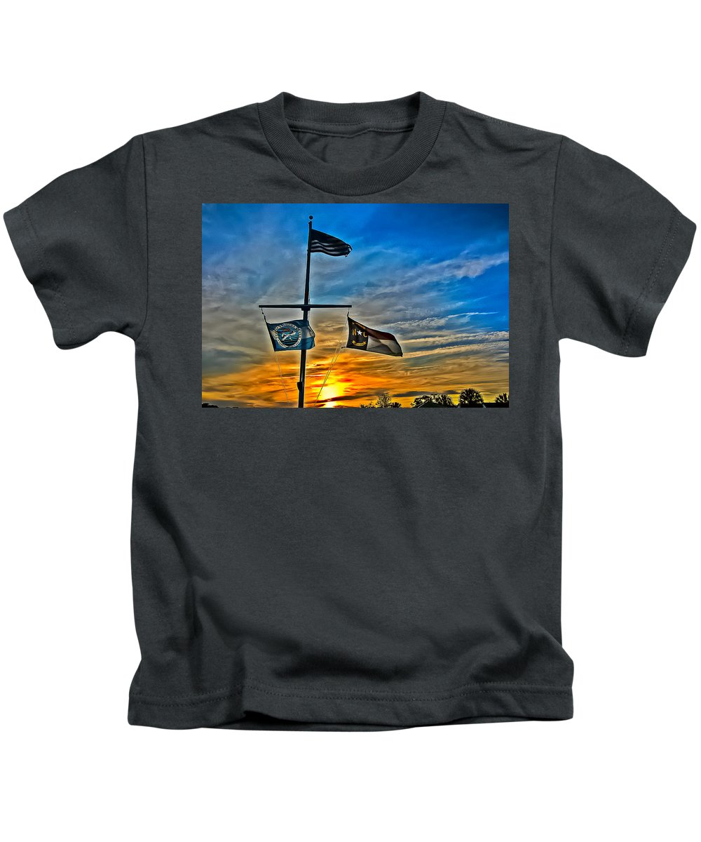 Flag Kids T-Shirt featuring the photograph Carolina Beach Lake Flag Pole V2 by David Anderson