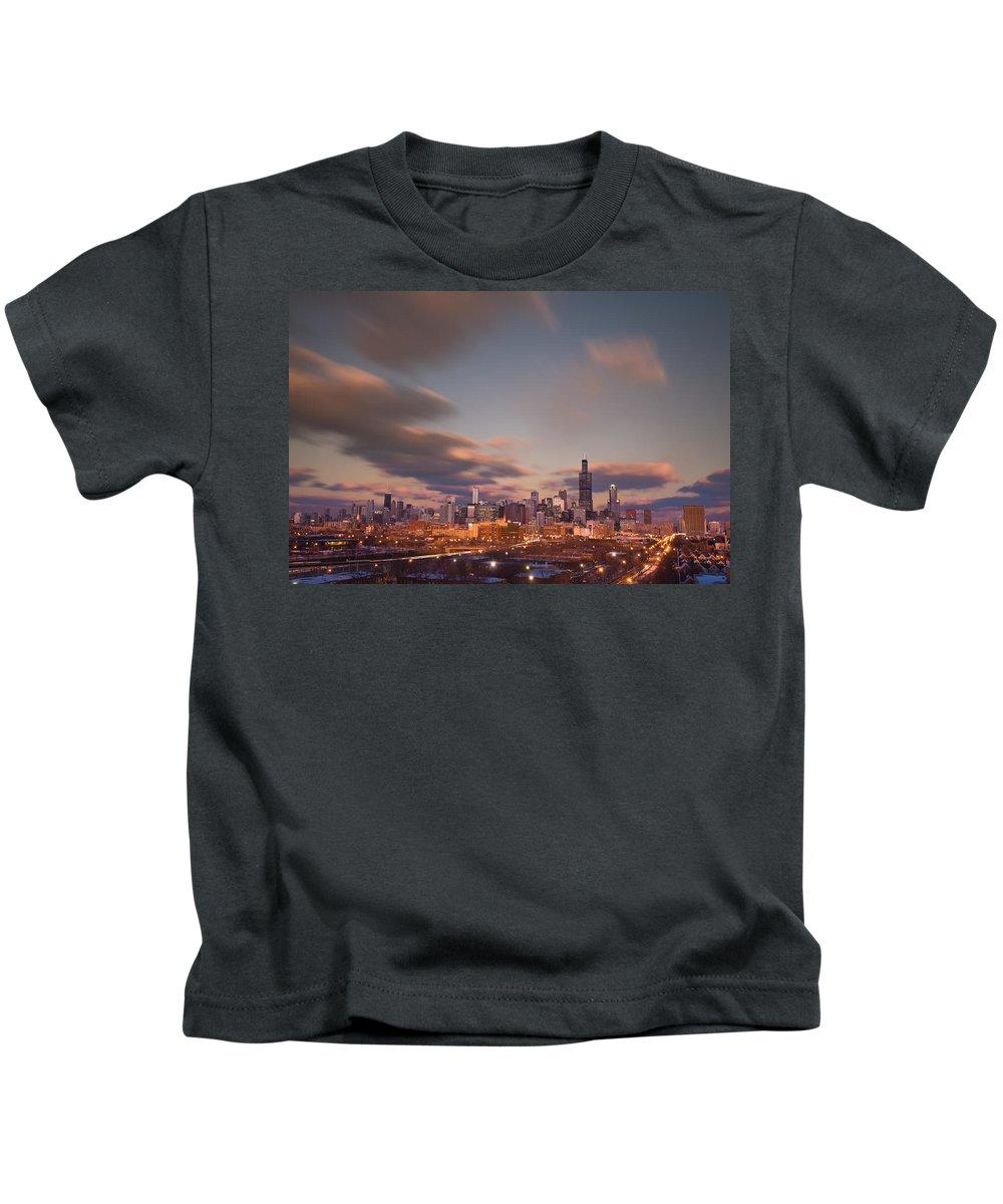 Loop Kids T-Shirt featuring the photograph Chicago Dusk by Steve Gadomski